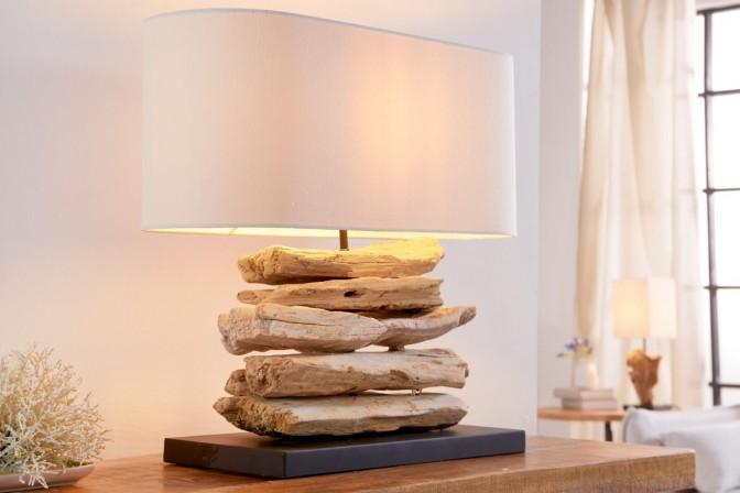 BESOS - bordslampa, i naturligt trä