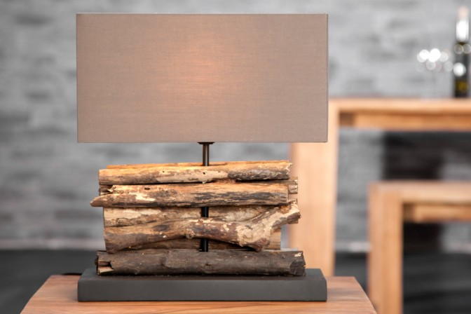 Tischleuchte aus Treibholz Perifere braun