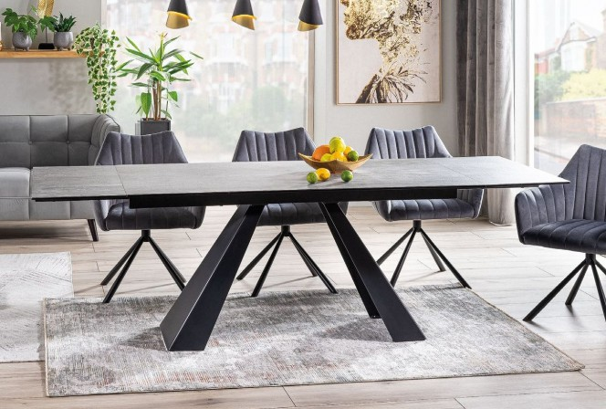 Salvadore Ceramic table